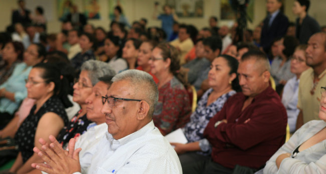 9월 12일 이승헌 총장이 엘살바도르 정부 최고상 수상 기념으로 엘살바도르 학교 교장단을 대상으로 뇌교육 강연을 했다.