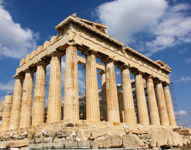 아테네 아크로폴리스에 있는 파르테논 신전.