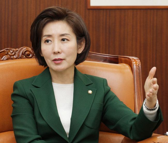 1월 11일 취임 한 달을 맞은 나경원 자유한국당 원내대표. [박해윤 기자]