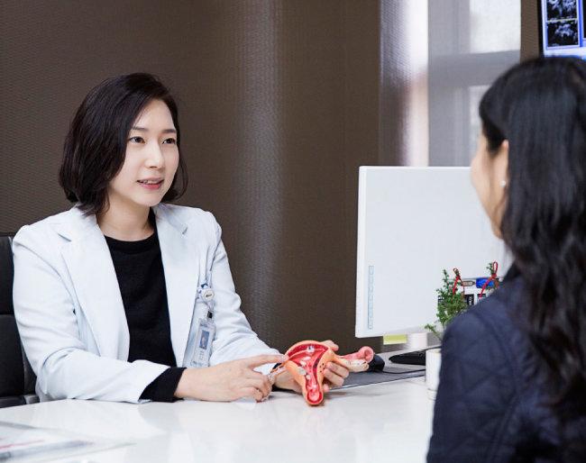 김란 차여성의학연구소 서울역센터 교수는 건강한 임신을 위해 평소 가임력에 관심을 가져야 한다고 강조했다. [김도균 기자]