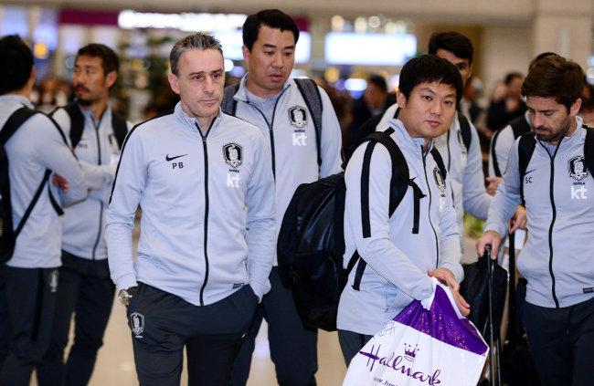 2019 아시아축구연맹 아시안컵 8강전에서 카타르에 0-1로 패해 탈락한 한국 축구대표팀이 1월 28일 인천국제공항을 통해 귀국했다. [동아DB]
