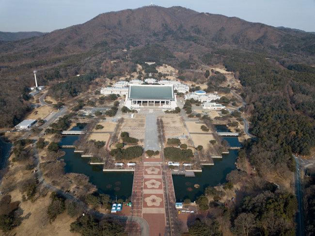 드론으로 촬영한 독립기념관 전경.