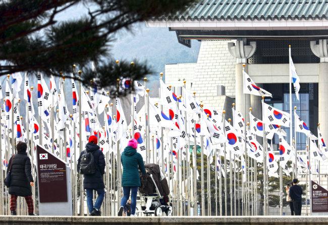 2005년 광복 60주년을 기념해 815개의 태극기를 게양한 '태극기 한마당'.