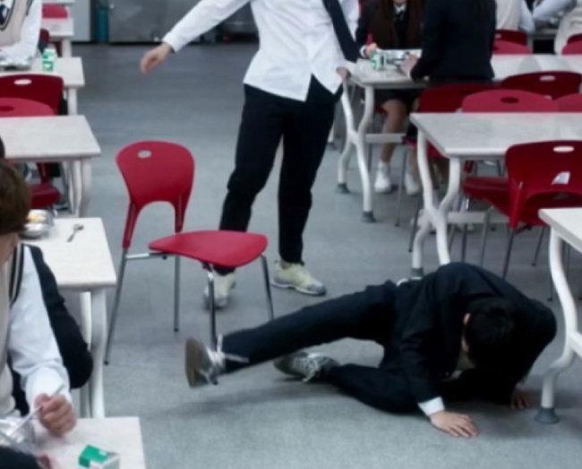 학교폭력의 심각성을 다룬 OCN 드라마 '구해줘'의 한 장면. [OCN 제공]