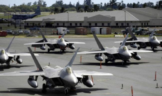 일본 오키나와 가데나 공군기지.