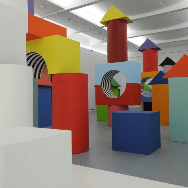 스트라스부르 현대미술관 [Comme un jeu d'enfant, travail in situ, MAMCS, Strasbourg, 2014. Detail. ⓒ DB-ADAGP Paris]