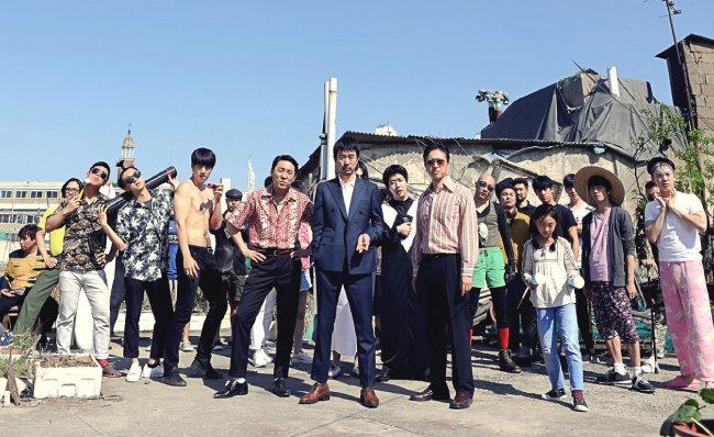 '중고나라'와 영화 '오늘도 평화로운'의 별난 상생