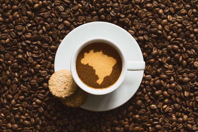 불륜(不倫), 커피 대국을 만들다