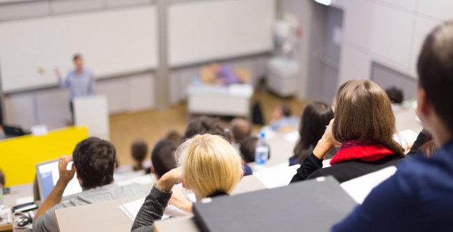 전문가들이 보는 대학 자퇴 원인