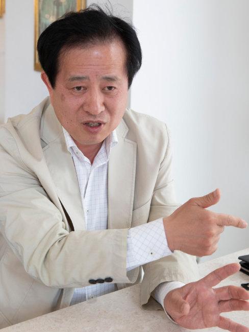 임동수 일산신도시연합회 대변인이 3기 신도시인 고양 창릉지구 개발의 문제점을 토로하고 있다.  [박해윤 기자]