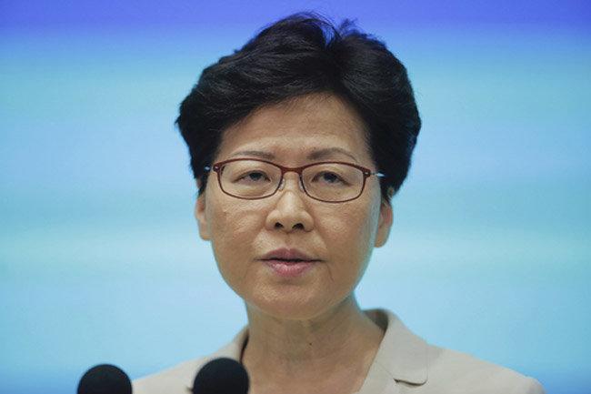 6월 18일 홍콩 정부 청사에서 캐리 람(Carrie Lam) 홍콩 행정장관이 기자 회견을 열고