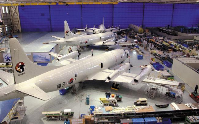 KAI는 미국 해군 노후 항공기를 최신 해상초계기로 성능 개량해 한국 해군에 납품했다.