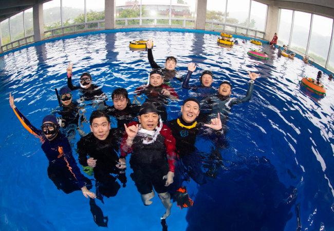 프리다이빙을 즐기는 동호인들이 주로 찾아온다.