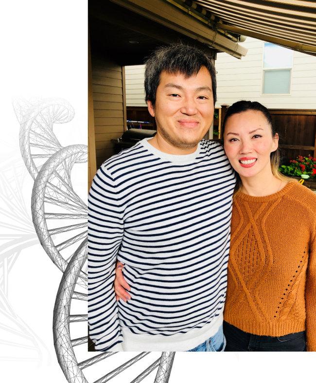 지난해 9월 유전자 간편 검사 덕에 34년 만에 상봉한 르네 알란코(오른쪽), 저스틴 크래트 남매. [사진제공·르네 알란코]