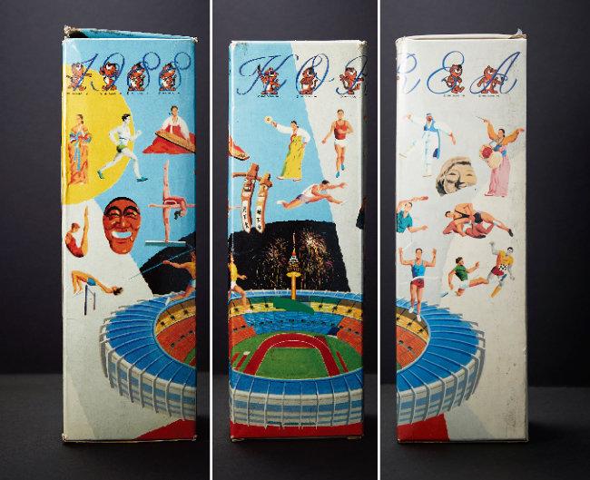 1988년 '88 서울올림픽'을 기념해 나온 코카콜라 박스. 3개를 모으면 당시 올림픽 주요 경기가 열린 잠실종합운동장 전경이 완성된다.