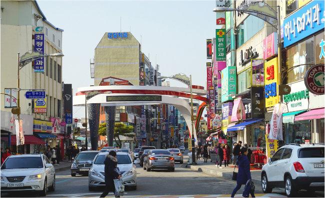 수성동 중앙로는 정읍에서 가장 상권이 활성화된 지역이다. [류형곤 블로그 제공]