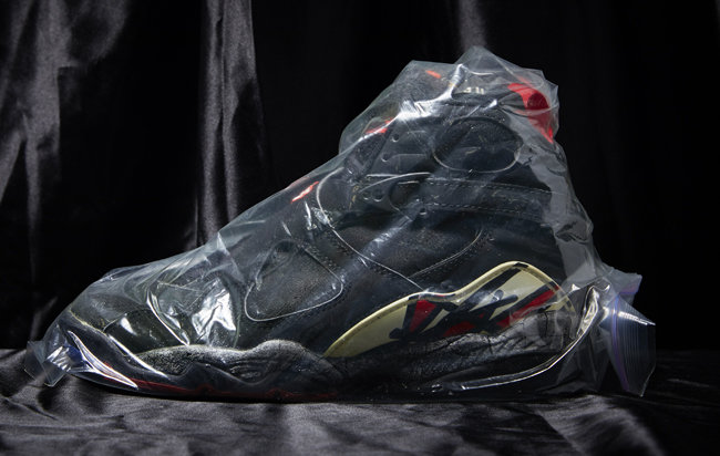 나이키 에어조던 8 오리지널. 곽지원 씨는 마이클 조던이 이 운동화를 신은 모습을 보고 신발 수집을 시작했다. 세월이 많이 흐른 탓에 신발이 삭아버려 지금은 포장 보관하고 있다.