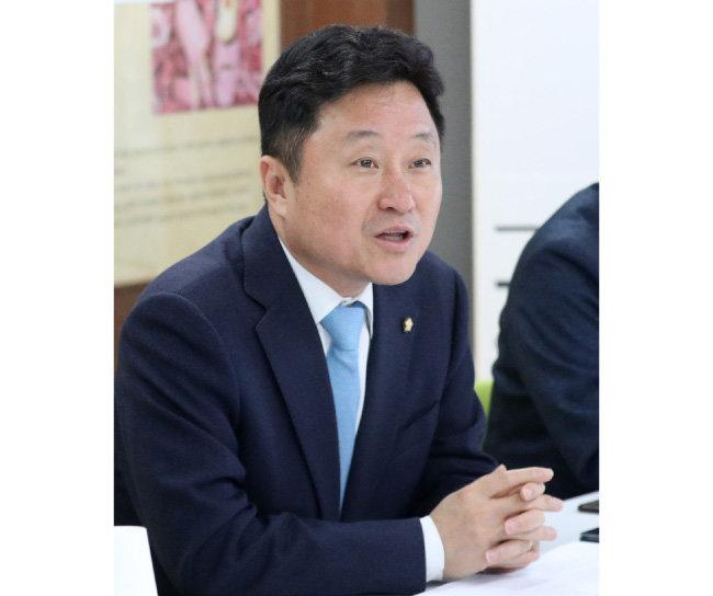 """'文 32년 동지' 최인호 """"'사법개혁 완성', 여섯 자 외 다른 배경 없다"""""""