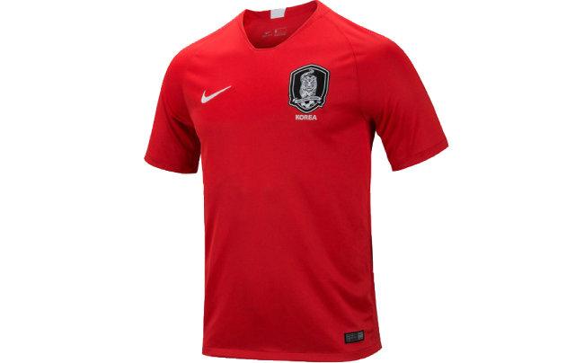 호랑이가 상징인 축구 국가대표팀 유니폼.
