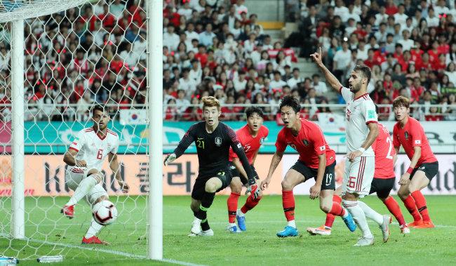 6월 11일 서울월드컵경기장에서 열린 한국과 이란의 축구 국가대표팀 경기. [뉴스1]