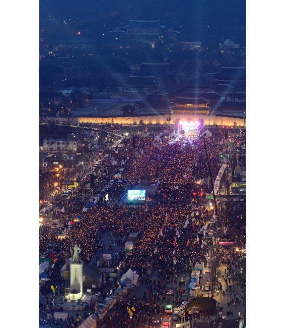 2017년 3월 11일 서울 광화문에서 열린 촛불집회. [동아DB]