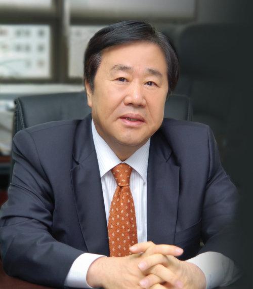 1988년 삼라건설에서 시작해 재계 35위 그룹의 수장이 된 우오현 SM그룹 회장. [SM그룹 제공]