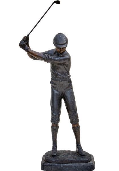 19세기 말 영국 골프의 우상이던 해리 바든의 어린 시절 모습으로 제작된 동상.