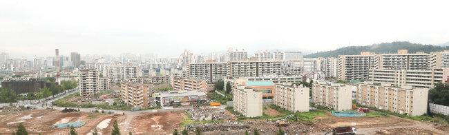 1만2000여 가구 규모의 서울 강동구 둔촌주공아파트 재건축단지.[동아DB]