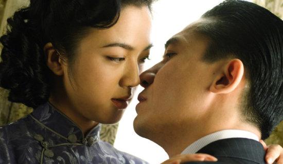 영화 '색, 계'의 소재인 미인계가 현실 세계에서 벌어지고 있다. 중국은 36계 중 하나인 미인계를 비롯해 각종 스파이 공작에 능하다. [CJ엔터테인먼트 제공]