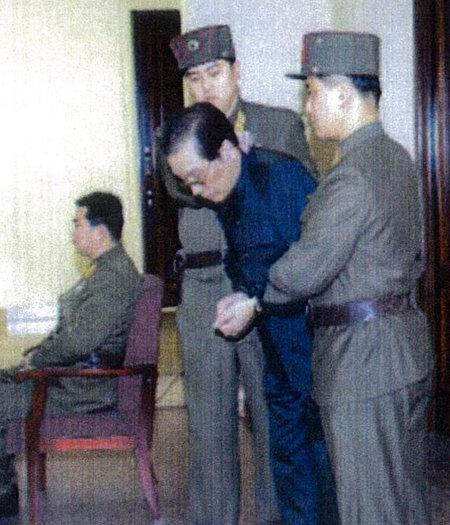 2013년 12월 국가전복음모죄로 처형된 장성택의 재판 모습. [노동신문 캡처]