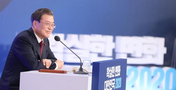 문재인 대통령이 2020년 신년 기자회견에서 북한 개별관광을 제안했지만 북한 당국은 별다른 호응을 보내지 않고 있다. [청와대사진기자단]