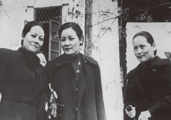 쑹칭링, 쑹메이링, 쑹아이링(왼쪽부터) 세 자매. [GettyImage]