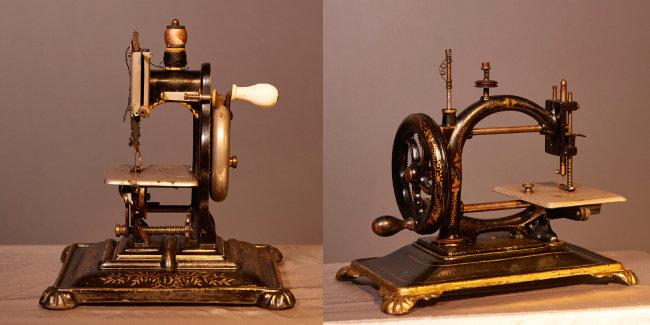 영국 돌만사(Dorman)가 1880년 제작한 재봉틀(왼쪽). 1880년대 독일 굴앤드하르베크사(Guhl & Harbeck) 재봉틀.