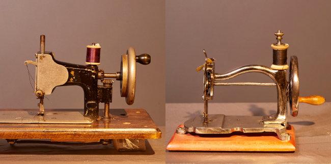 1890년대 스페인에서 생산된 '알리샤(Alicia)' 재봉틀(왼쪽). 1900년대 초 생산된 장난감 재봉틀.
