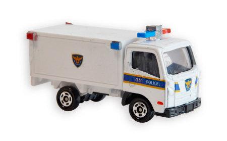 한국 경찰의 보급형 트럭 미니카.