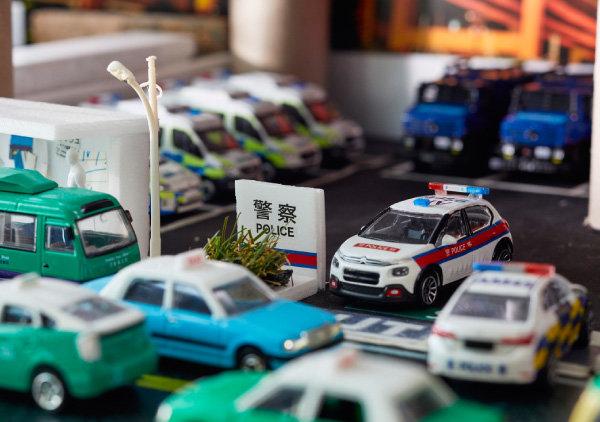 홍콩 주차장을 표현한 디오라마.