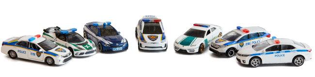 직접 만든 세계 각국 경찰차들.