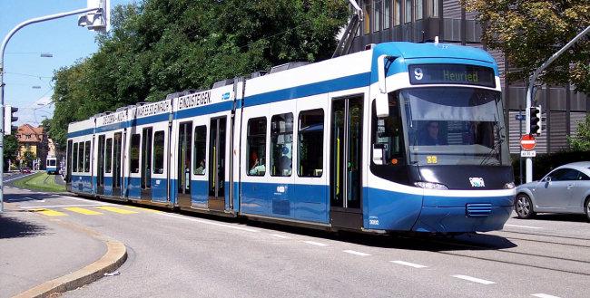 취리히의 트램.