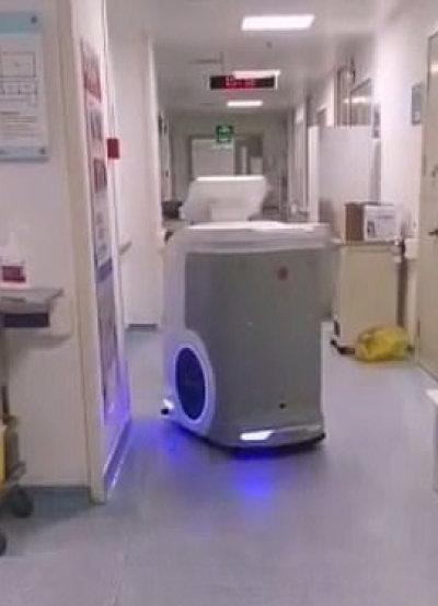 중국 광둥성 인민병원에서 환자를 돌보는 인공지능(AI) 로봇. [광둥성 보건부 위챗]