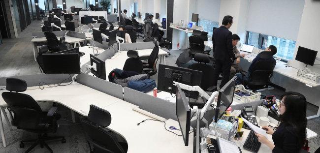 3월 25일 서울 종로구의 한 대기업 사무실 모습. [양회성 동아일보 기자]