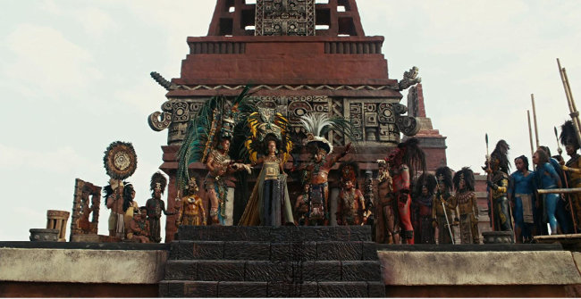 철저한 고증을 통해 영화에서 재연된 마야 문명의 제사 의식 장면. [Icon Entertainment International 배급사 제공]