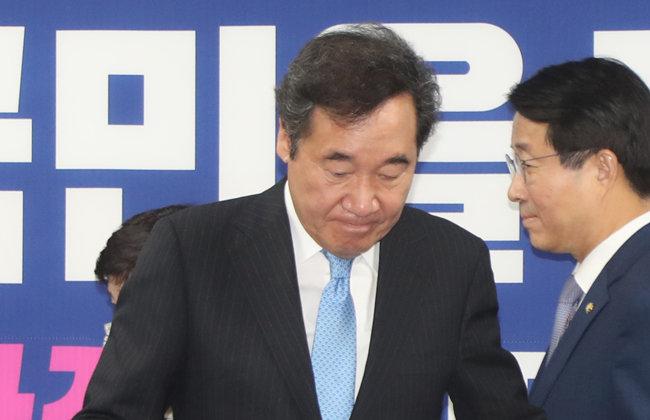 이낙연 더불어민주당 코로나19 국난극복위원회 위원장이  5월 6일 국회의원회관에서 열린 비상경제대책본부 간담회에 참석하고 있다.