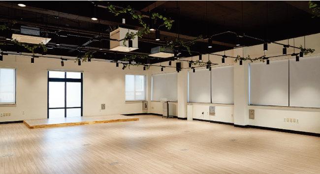 W360 1층에 있는 다목적 대회의실. [홍중식 기자]
