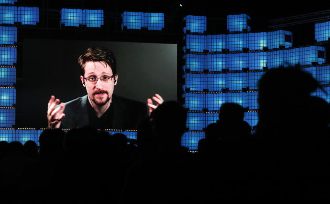 미국의 전방위적 감청을 폭로한 전 NSA 요원 에드워드 스노든. [AP=뉴시스]