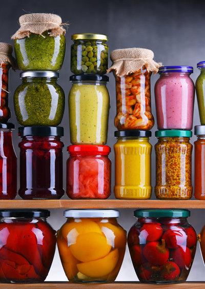 여름에 풍부한 각종 채소, 과일은 모두 좋은 피클 재료가 된다. [Gettyimage]