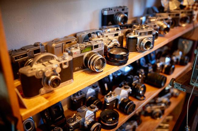 박창희 씨가 수집한 빈티지 카메라들.