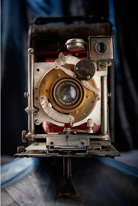 Bausch & lomb optical automat 바슈롬 셔터를 사용한 빈티지 폴딩 카메라.