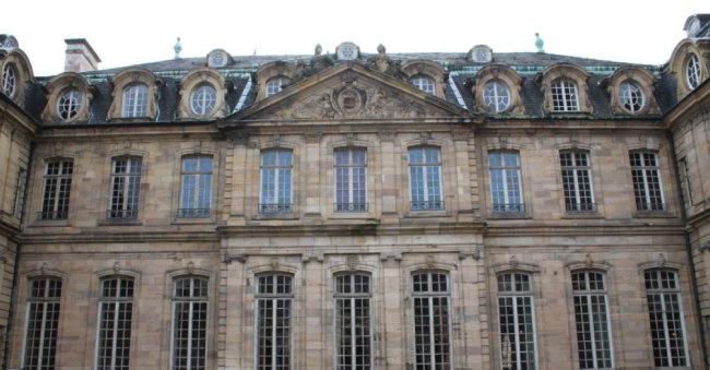 로앙 가문은 프랑스 국왕을 대리해 스트라스부르를 통치했다. '로앙 추기경의 저택'.