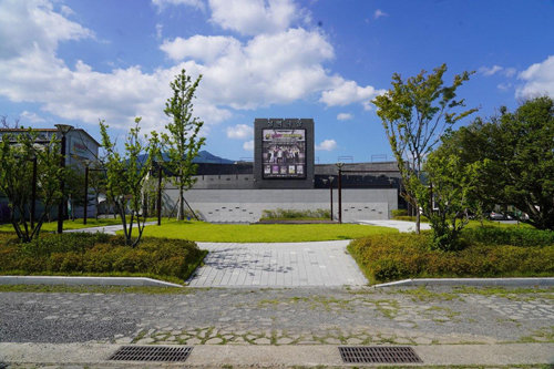 밀양공연예술축제 주 무대인 '성벽극장'.