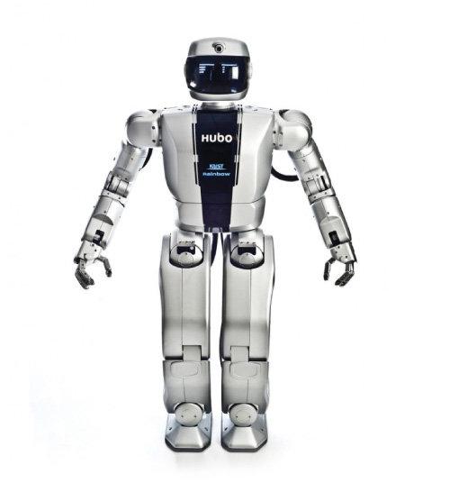 2015년 재난로봇대회에서 우승한  2족 보행 로봇 휴보. [카이스트 제공]